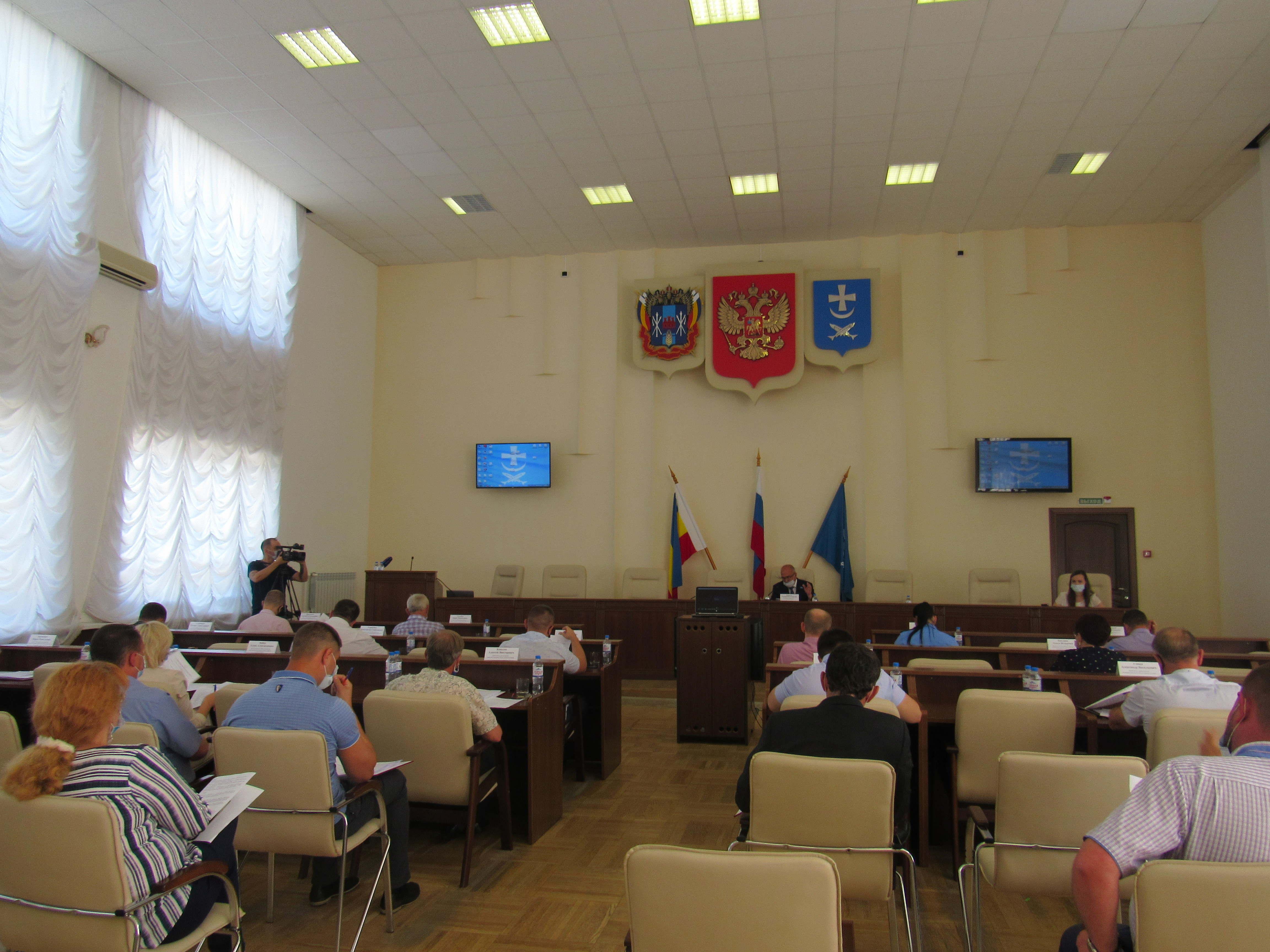 25 июня в большом зале Администрации г. Азова состоялось двенадцатое заседание Азовской городской Думы седьмого созыва