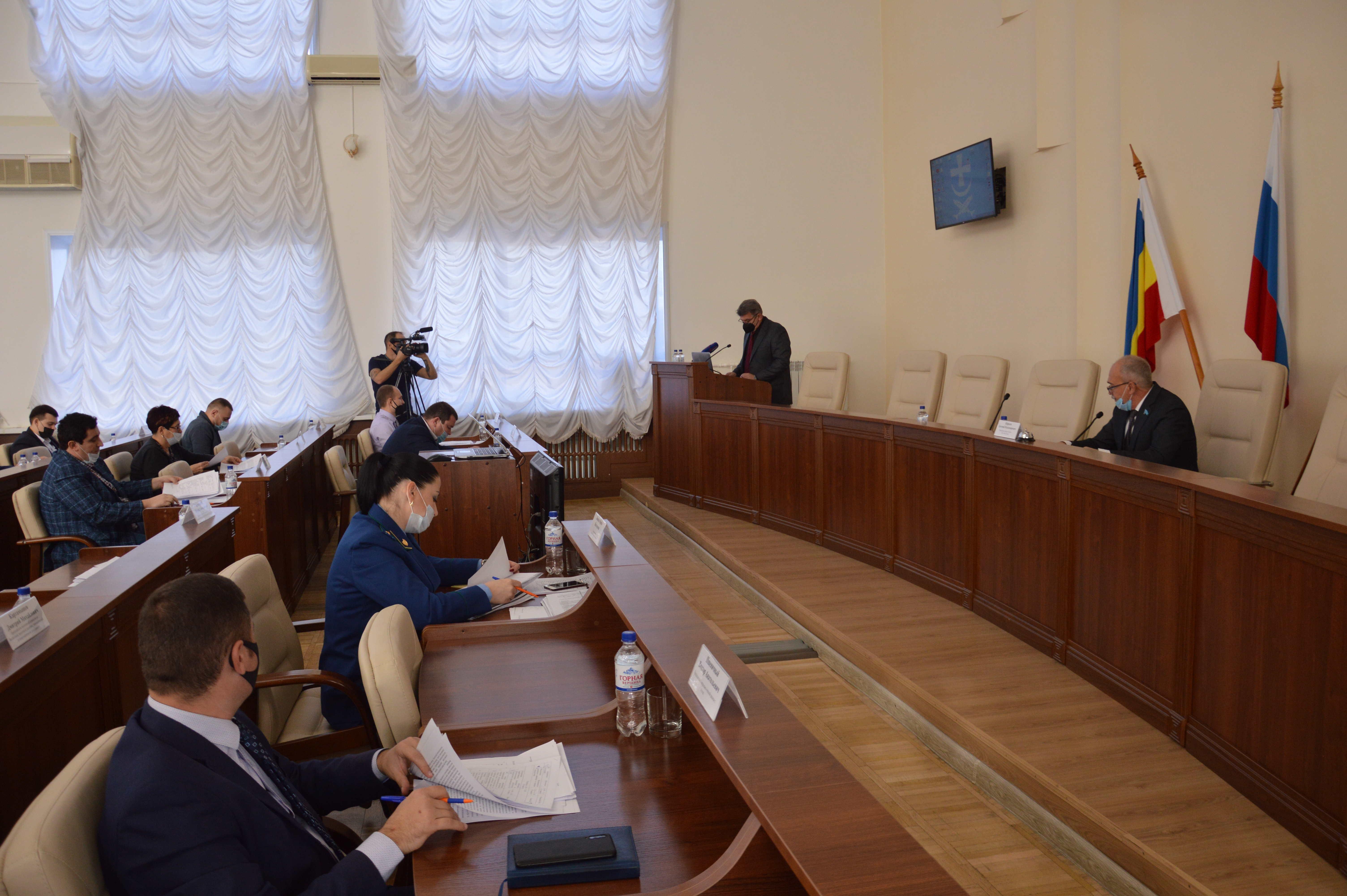 25 ноября в большом зале Администрации г. Азова состоялось шестнадцатое заседание Азовской городской Думы седьмого созыва.
